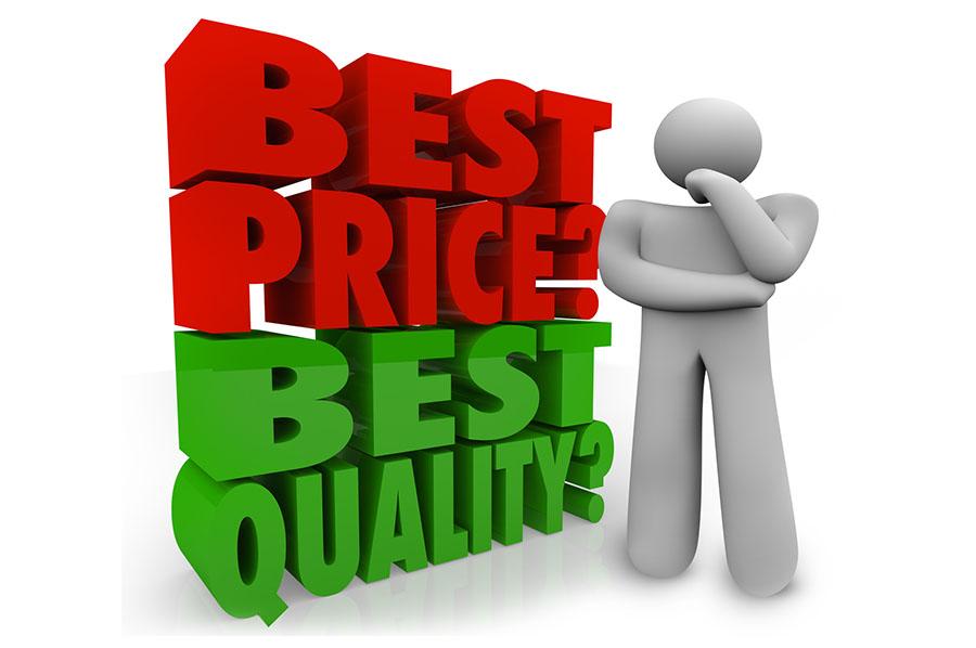 Un omino con la scritta Best price, best qualitY?